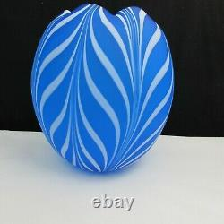 Fenton Robert Barber Dave Fetty Cobalt Blue Pulled Feathers Vase A6 1975
