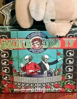 Dave's Picks, Vol. 17 Selland Arena, Fresno, Ca 7/19/74 Grateful Dead Nouveau