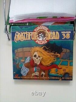 Des Daves Morts Gratifiants S'empare De Vol. 37 Et 38